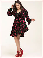 TORRID women's Black Floral red Roses (2X-18-20)  Knit Skater Dress ruffle Vneck