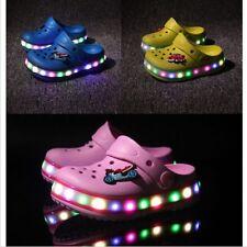 Kinder Jungen Mädchen LED Leuchtende Schuhe Sandalen Hausschuhe Blinkschuhe Neu