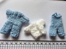 Baby Boy Mini Abito Cardigan & Salopette Card Craft Abbellimenti a Maglia