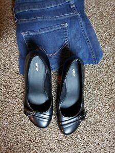 Apt 9 Womens Wedge Heel, Round Toe, black, Sz 7 1/2 Slip on pump