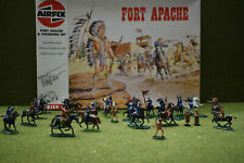 1/72 SCALE AIRFIX  FORT APACHE WITH HAND PAINTED FIGURES SET (RETIRE)