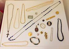 Lot d' anciens bijoux fantaisies