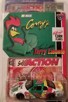Action Racing Collectable 1/64th Terry Labonte #5 1998 Monte Carlo.   O30#15 dm