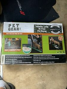 Pet Gear Bi-Fold Travel Lite Pet Ramp with supertraX ***New***