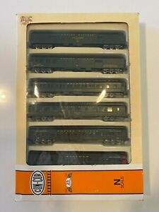 N Scale Con-Cor Model Railroad Carriage Set - Great Northern - Empire Builder