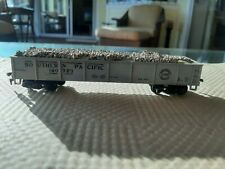 HO scale Southern Pacific 160723 COAL/GRAVEL gondola car . some glue spill