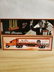 Alan Kulwicki #7 Tribute 1992 Champion Car Hauler Full Diecast Nascar 1:64