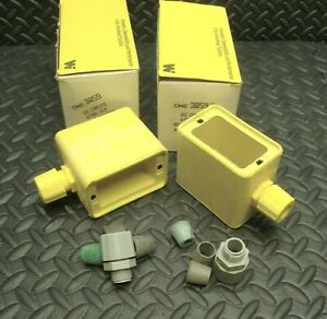 2 Lot NEW Daniel Woodhead 3059 Yellow Rubber Outlet Box Weather Resistant Covers