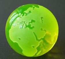 Annagelbes Uranglas Uranglas / Vaseline Glass   Globus mit Standfläche