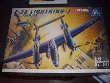 ITALERI  P-38 LIGHTNING-J  US FIGTHER   PLASTIC MODEL 1/72