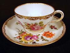 Tasse & sous-tasse porcelaine fine de Dresde, décor fleurs orin fin, signées