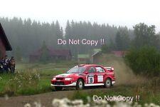 Toni Gardemeister Mitsubishi Carisma GT 1000 Lakes Rally 2001 fotografia 2
