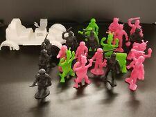 Vintage Space Figurine Toys - 22 Figurines & 1 Car (missing back wheels)
