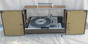 solid state Rca Victor Six Speaker Stereo Vintage Portable record player