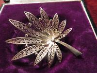 Bezaubernde 800 Silber Brosche Jugendstil Art Deco Blume Filigran Hanf Fein