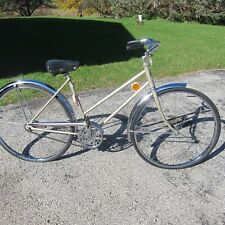 FOR SALE A VINTAGE LADIES BIKE BY  FLEETWING IN NICE ORIG. CONDITION, SINGLE SPE