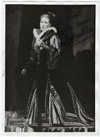 Opera - Autografo del soprano Montserrat Caballé (Barcellona, 1933 - 2018)