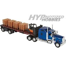 NEWRAY 1:32 REPLICA OF KENWORTH W900 FLATBED W/ FORKLIFT AND PALLETS  SS-10263A