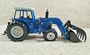 Vintage 1991 ERTL 1/32 Scale Diecast Ford 8630 4WD Tractor With Front Loader