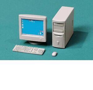 Eureka XXL 1/35 PC with CRT Monitor