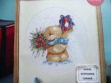 Forever Friends Ours avec fleurs + cadeau Enneigée Noël Scène cross stitch chart