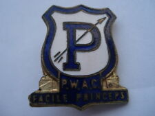 C1950S VINTAGE P.W.A.C. FACILE PRINCEPS (ARCHERY CLUB) ENAMEL PIN BADGE