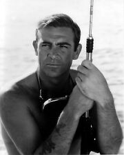 "SEAN CONNERY IN THE FILM ""THUNDERBALL"" JAMES BOND  8X10 PUBLICITY PHOTO (ZZ-334)"