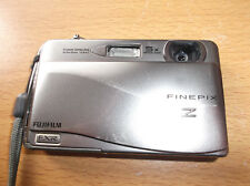 Fujifilm FinePix Z Series Z700EXR 12.0MP Digital Camera - SILVER