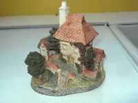 1984 LARGE DAVID WINTER MODEL NAMED TOLLKEEPERS COTTAGE