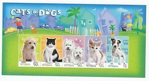 2004 AUSTRALIA POST STAMP MINI SHEET 'CATS & DOGS' - MINT NEVER HINGED