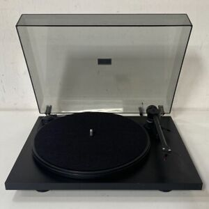 Pro-Ject Audio Essential Turntable - with Ortofon OM5E Cartridge