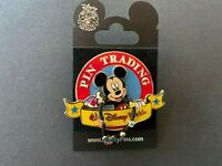 WDW - Pin Trading 2006 Mickey Mouse 3D Dangle Disney Pin 43553