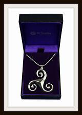 Estaño Celta Triskelion Triple Espiral Colgante Collar ~ de St. Justin Libre P&P