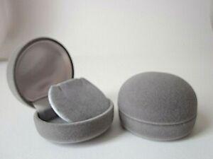 W02E Grey Velvet Round Earrings Gift Display Box -Hinged Lid- 5cm Wide