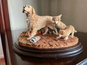 Country artists golden Retrievers double trouble On plinth hand crafted & painte