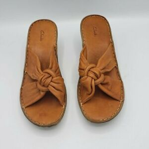 MISMATCH Clarks Leather Heeled Sandals Womens 10B 11B Natural Relaxed