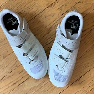 Pearl Izumi NWOT Women's W Select Road V5 Size 42/10 White Gold Bicycling Shoes