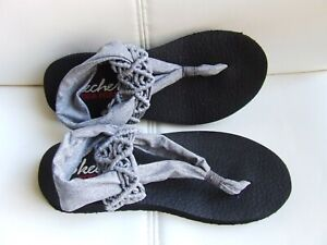 GREY SKECHERS YOGA FOAM SANDALS SIZE 4 BN WITHOUT TAGS