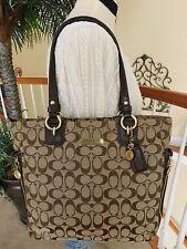 Coach Signature Gallery Khaki/Brown Zipper Tote Shoulder Handbag F19388