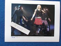 """Original Press Photo - 8""""x6"""" - Madonna - 2001 - E"""