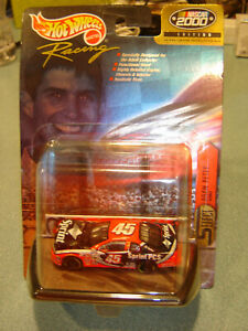 Hot Wheels Racing SELECT Nascar 2000 Edition #45 Adam Petty Sprint PCS 1:64 NEW