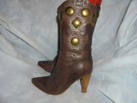 YIN  WOMEN'S BROWN LEATHER PULL ON METAL STUD ANKLE BOOT  SIZE UK 4 EU 37 VGC