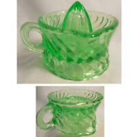 Small Apple Green Glass Swirl Pattern Juicer / Reamer with Handle 2 Spouts