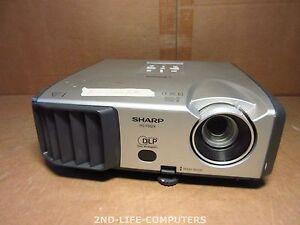 Sharp PG-F262X Projector DLP 2600 LUMENS DVI-I XGA Beamer NO POWER - NO REMOTE