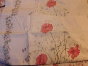 Pair of Vintage Dorma pillowcases Country Diary Collection - Poppies Unused