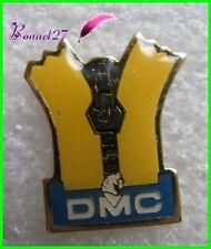 Pin's Fil à coudre DMC Jaune avec une fermeture éclair  #G3