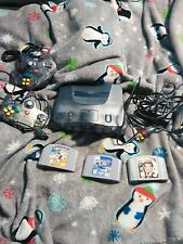 Nitendo 64 system /2 controlers/ 3 games