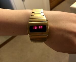 1970's / 80's Vintage Retro Unisex LED Watch - New Battery - Works Perfectly!
