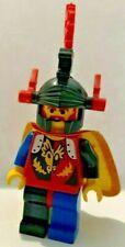 LEGO CASTLE DRAGON KNIGHTS MINIFIGURE CAS219, DRAGON HELMET RED PLUMES & CAPE
