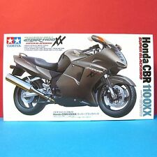 Tamiya 1/12 Honda CBR 1100XX Super BlackBird model kit #14070